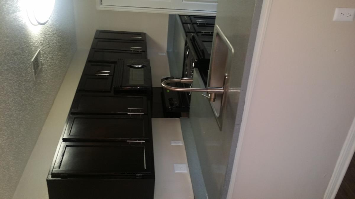 Kitchen at Listing #140303