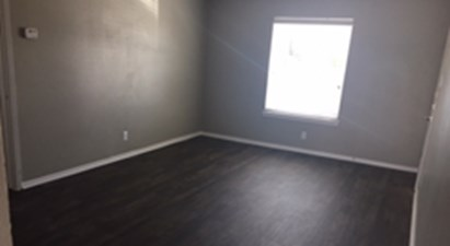 Bedroom at Listing #136960