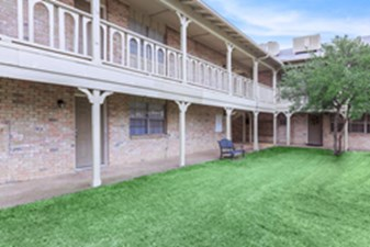 Courtyard at Listing #135694