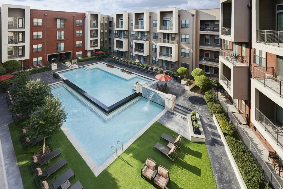 Pool at Listing #146768