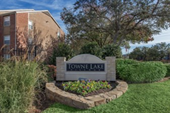 Towne Lake Village at Listing #136152