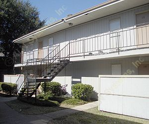 Oakwood Villa Apartments , TX