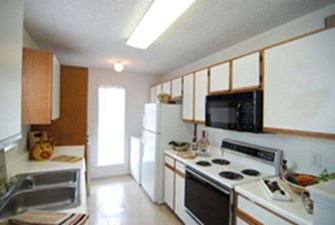 Kitchen at Listing #138741