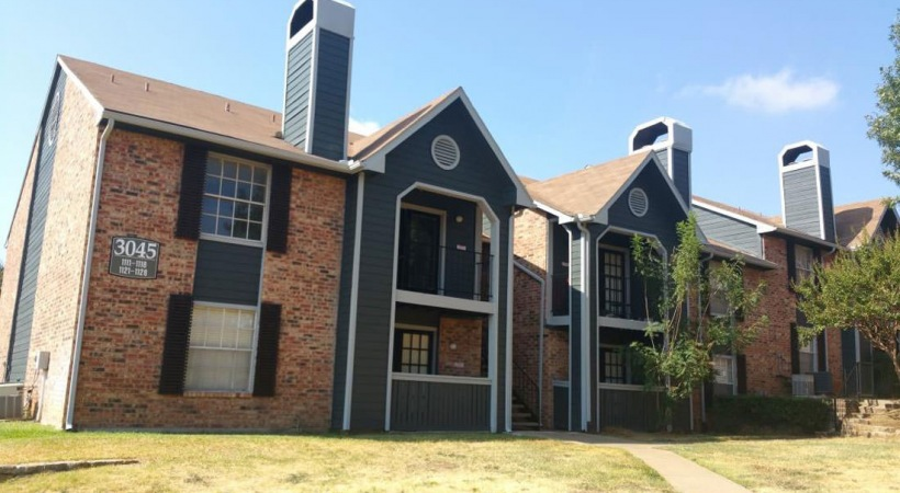 Surrey Oaks Apartments Bedford, TX
