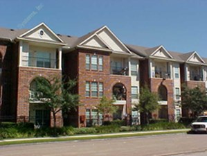 Exterior 2 at Listing #138802