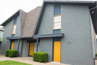 Exterior at Listing #135624
