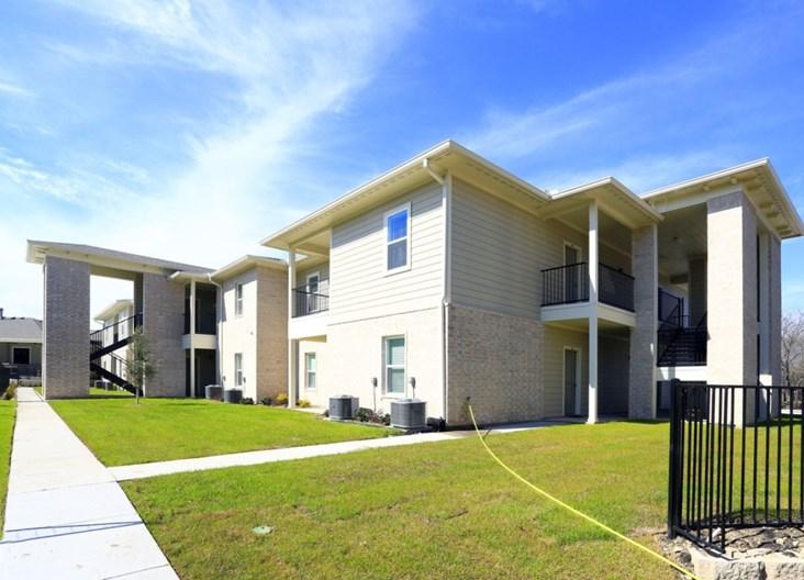 Brooks on Heritage Parkway Apartments