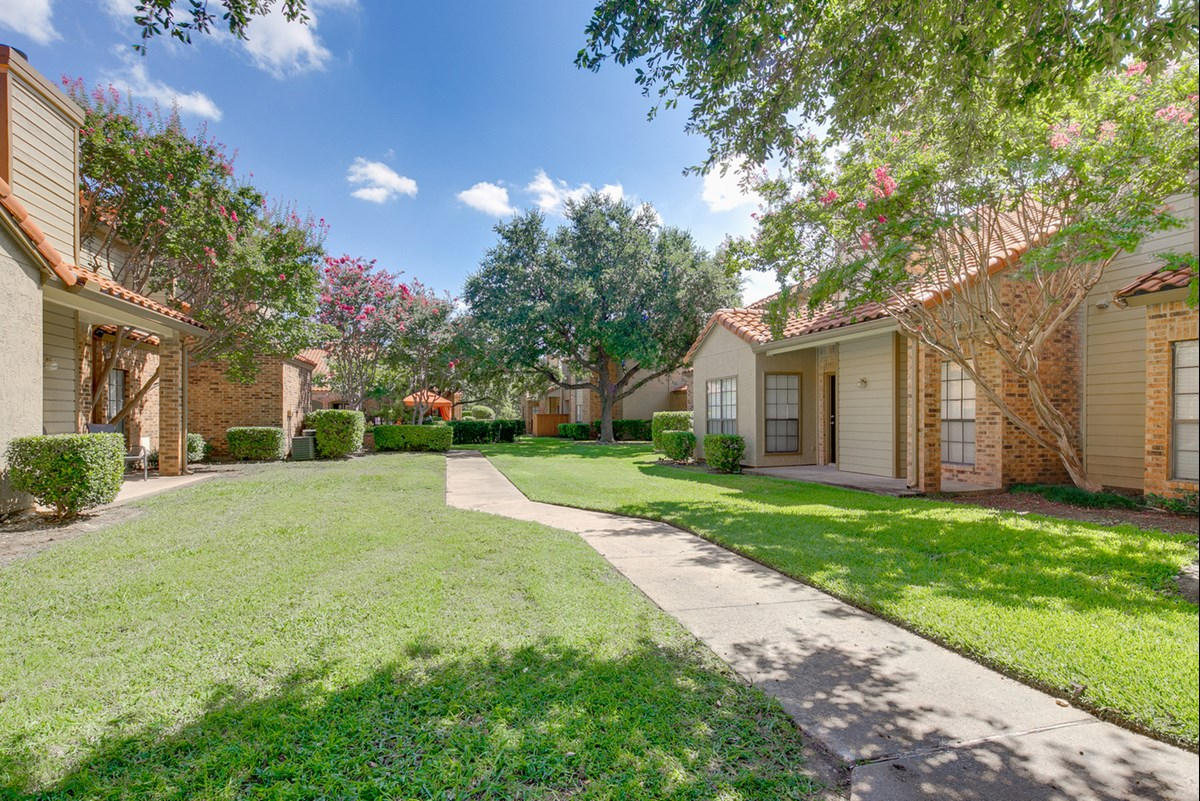 Spring Pointe Apartments Richardson TX