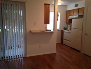 Living/Kitchen at Listing #140186