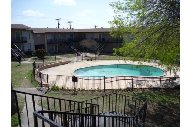Pool at Listing #141384