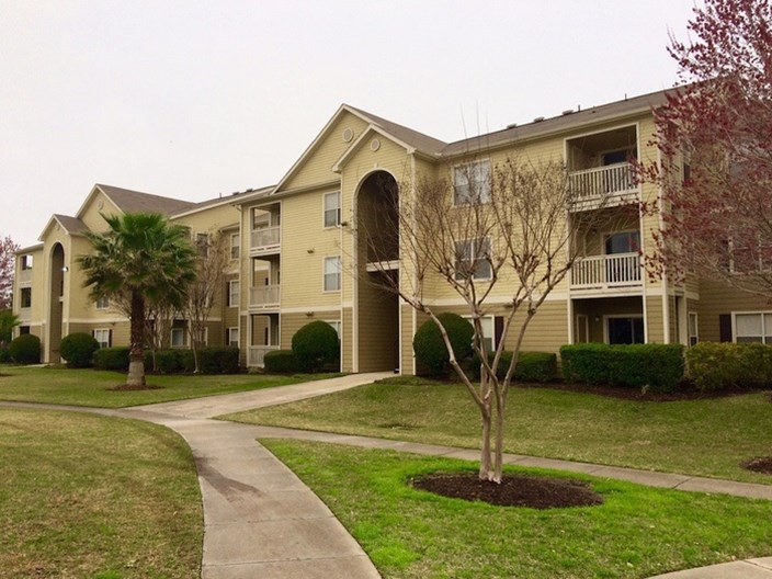Kenwood Club at the Park Apartments