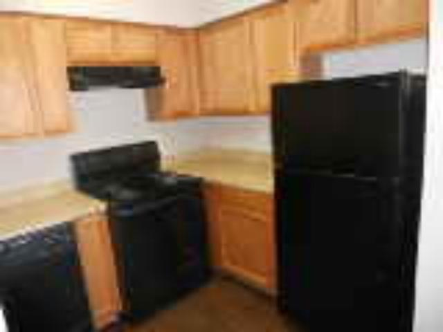 Kitchen at Listing #136534