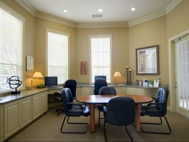 Business Center at Listing #138275