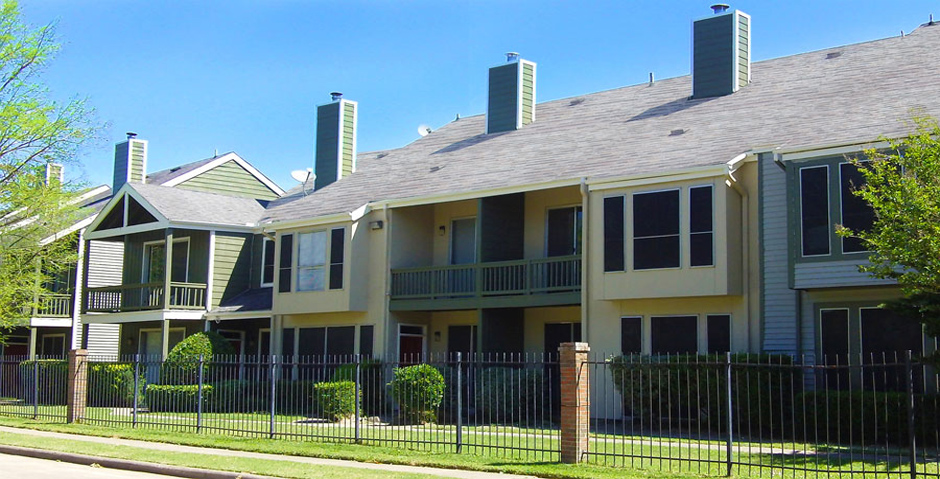 Woodlake on the Bayou Apartments Houston TX