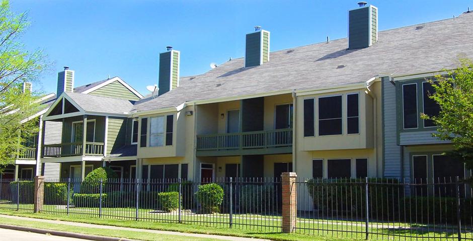 Woodlake on the Bayou Apartments Houston TX