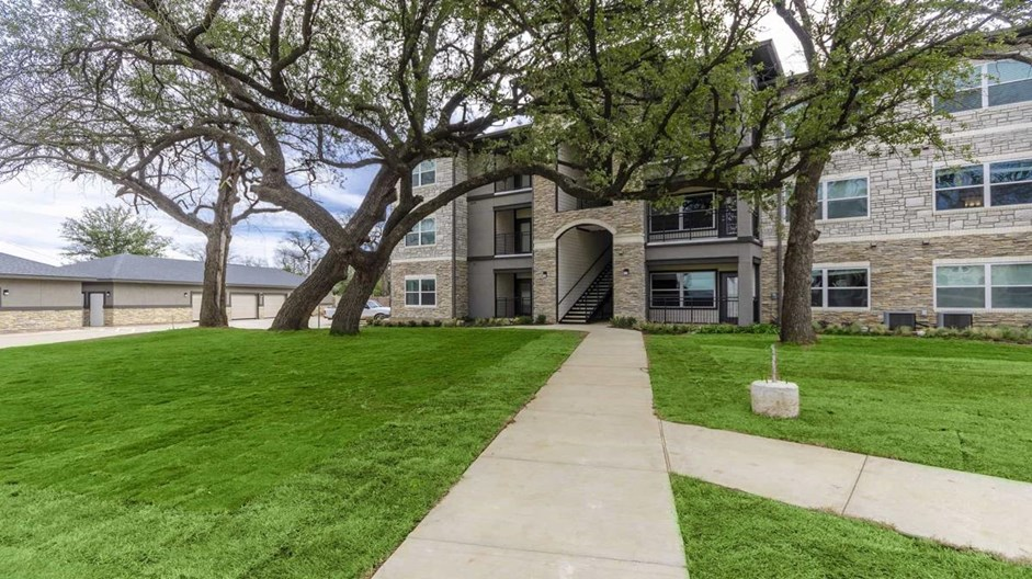 Brazos Crossing Apartments