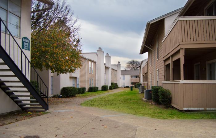 Del Rey Village Apartments