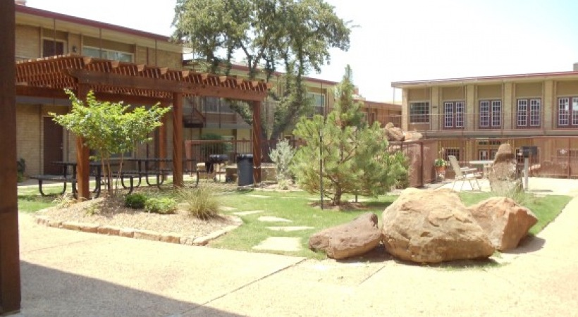 Courtyard at Listing #137150