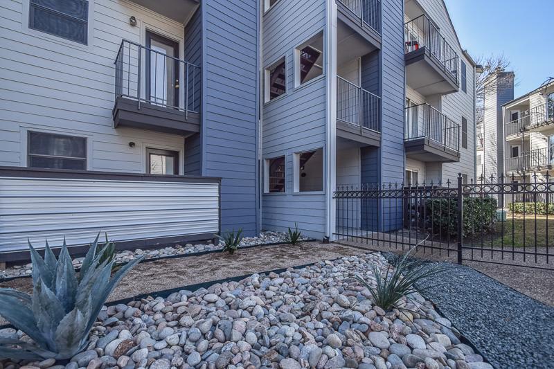Azure Urban Living Apartments Dallas, TX