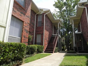 Exterior at Listing #137532