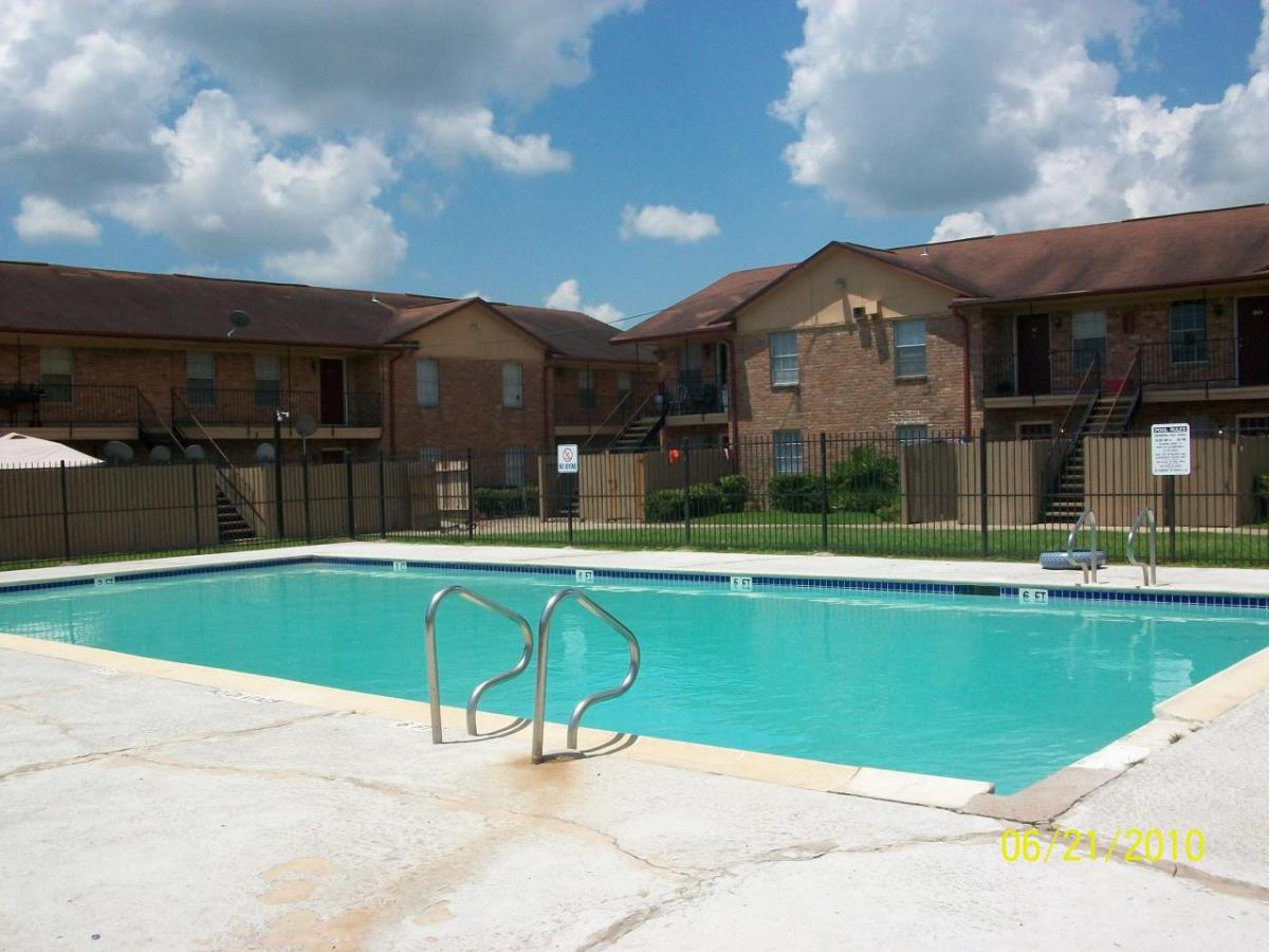 Pool at Listing #139274