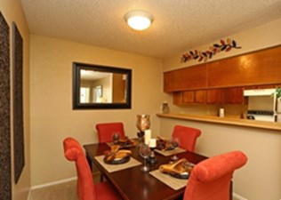 Dining at Listing #136791