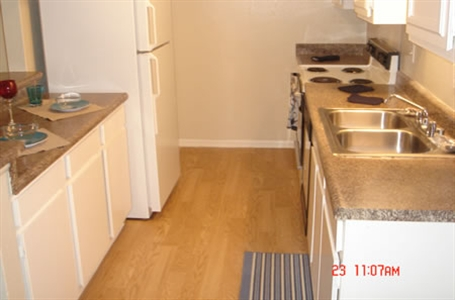 Kitchen at Listing #139690
