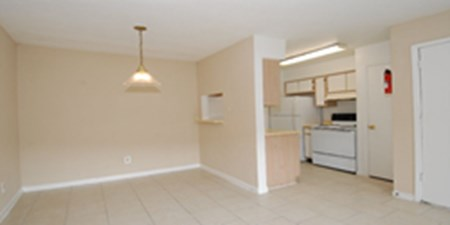 Dining/Kitchen at Listing #139509