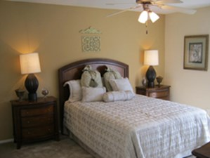 Bedroom at Listing #139907