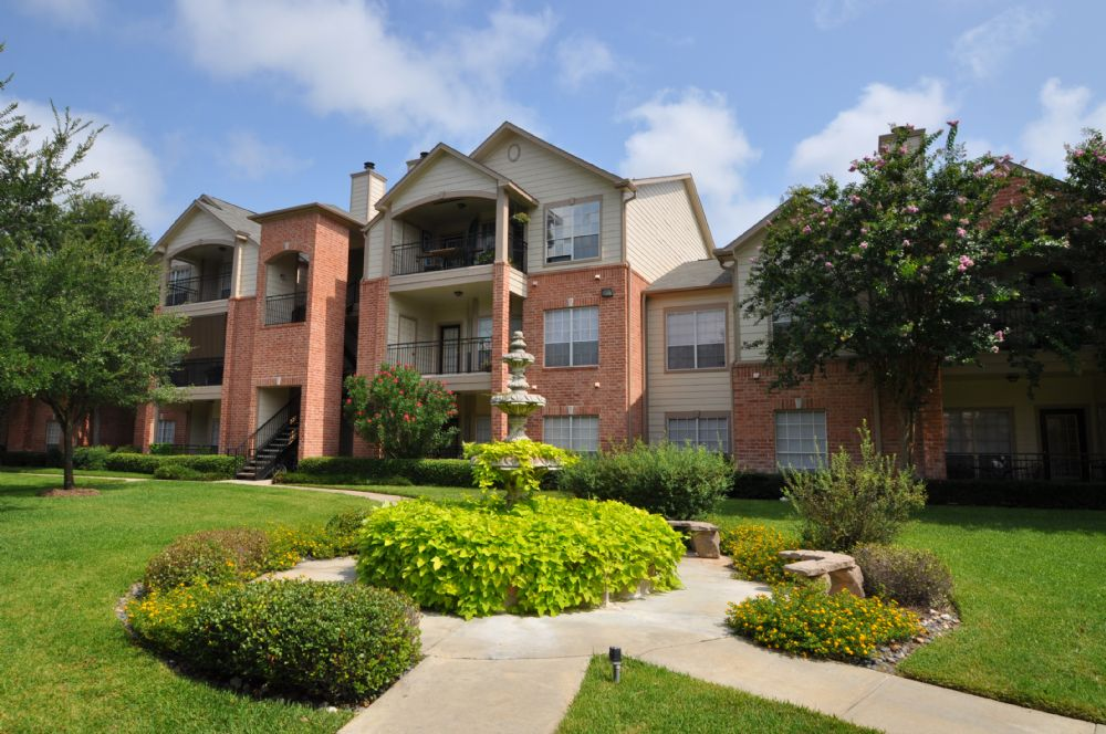 Exterior at Listing #138675
