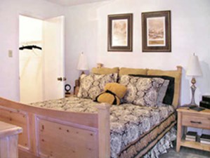 Bedroom at Listing #139201