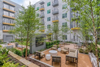 Courtyard at Listing #302338