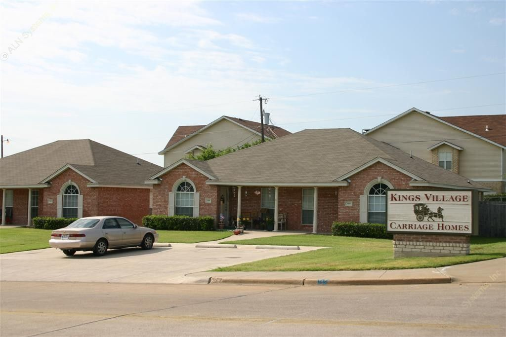 Kings Village Carriage Homes ApartmentsGrand PrairieTX