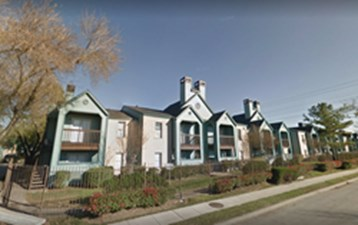Exterior at Listing #139894