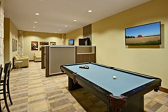 Gameroom at Listing #232056