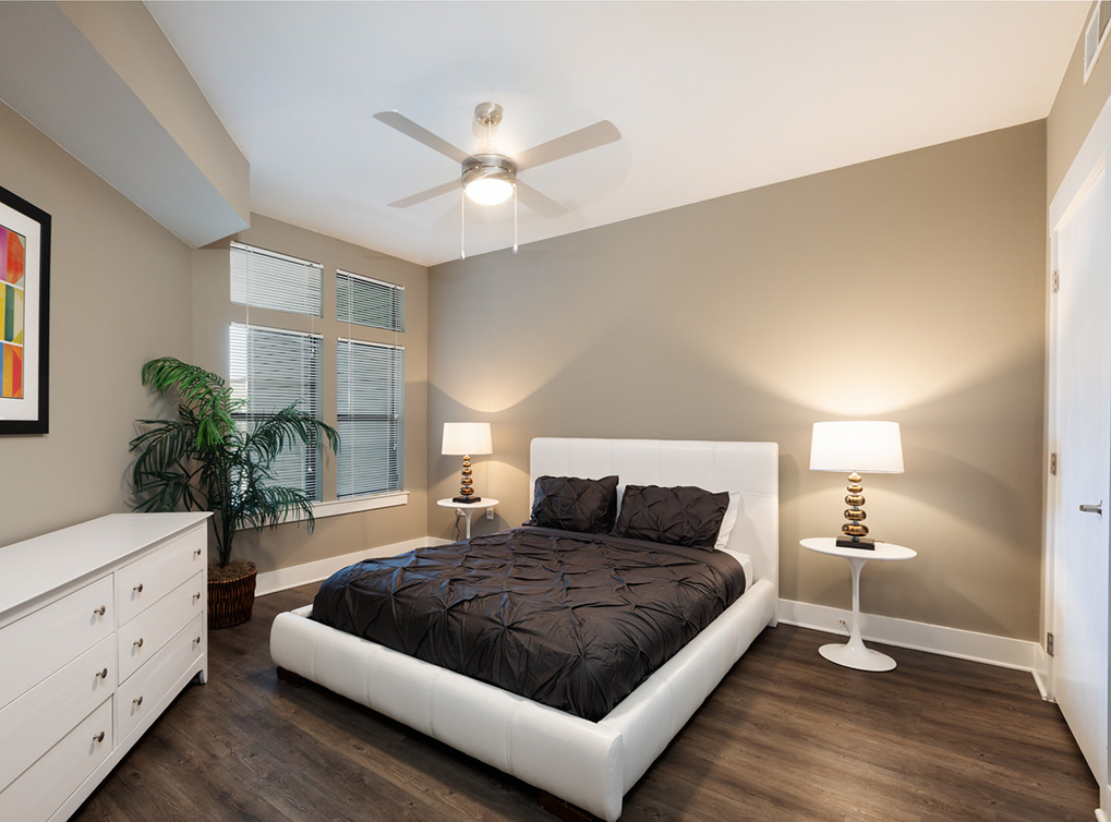 Bedroom at Listing #147805