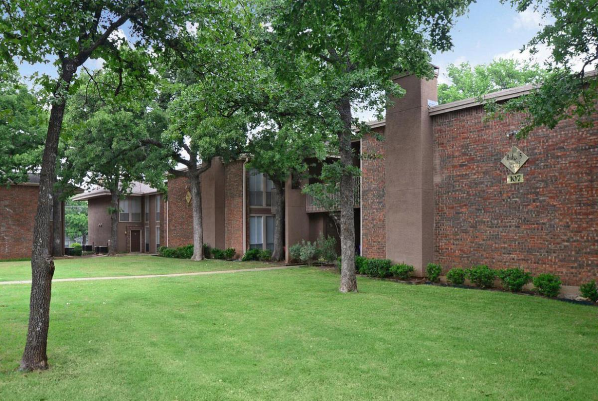 Exterior at Listing #137551