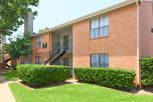 Exterior at Listing #137008
