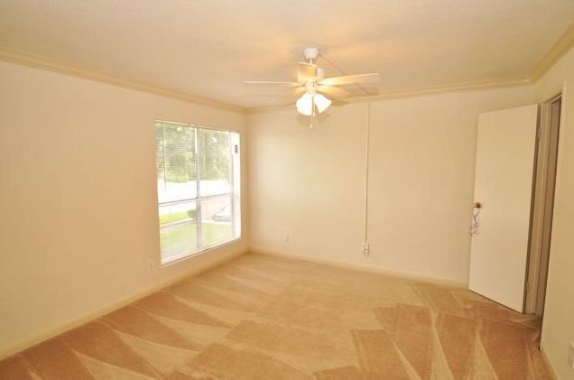 Bedroom at Listing #139816