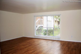 Living at Listing #139642