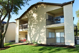 Exterior at Listing #140504