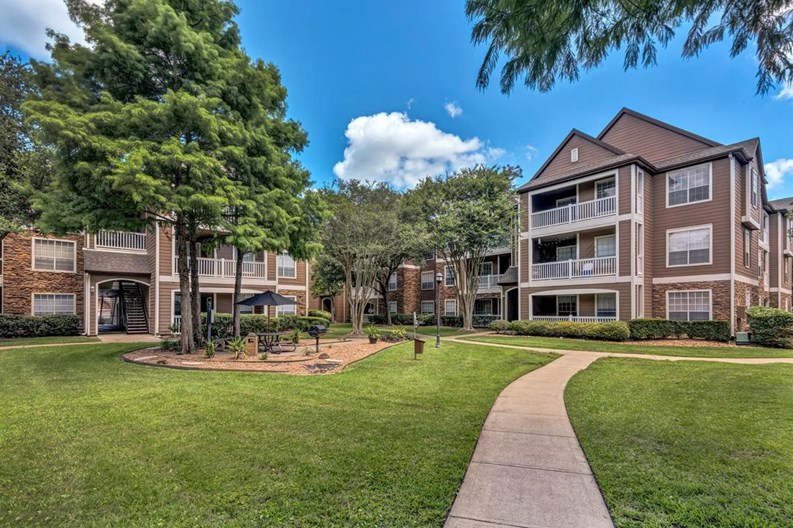 Weston at Copperfield Apartments