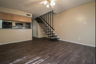 Living at Listing #136642