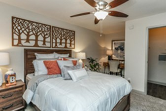 Bedroom at Listing #138726