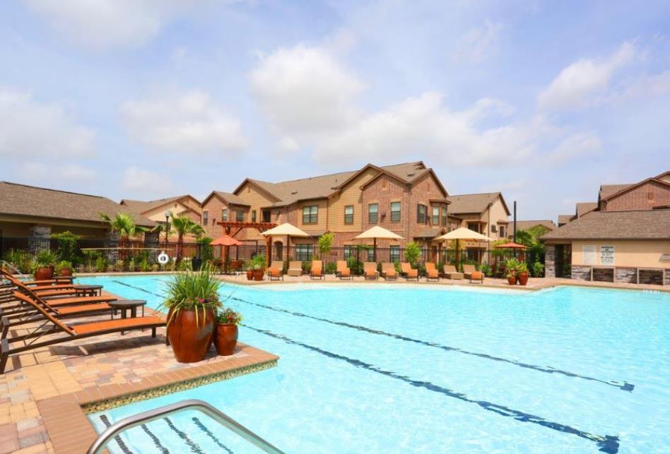 Pool at Listing #269855