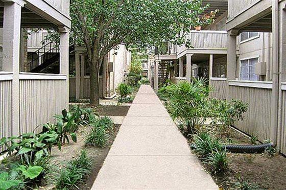 Lenox Apartments Houston TX