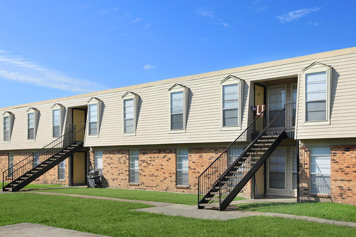Exterior at Listing #139286