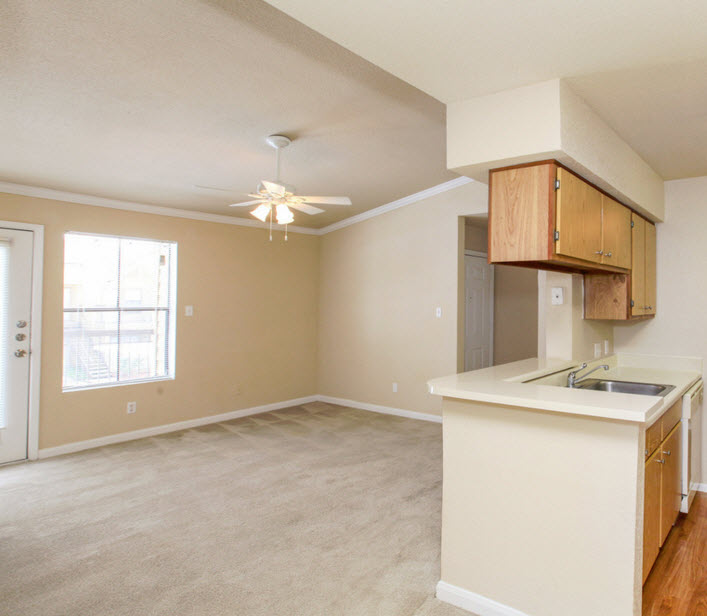 Living at Listing #138314