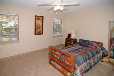 Bedroom at Listing #137804