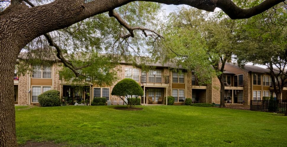 Bent Tree Fountains Apartments Addison, TX